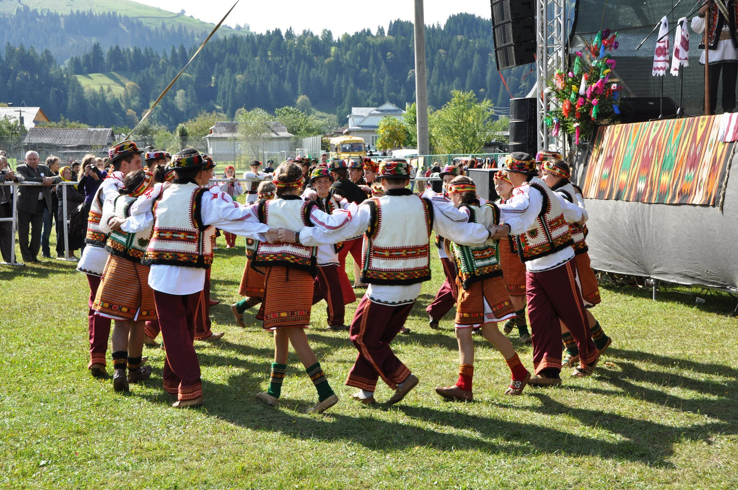 Традиционные танцы гуцул