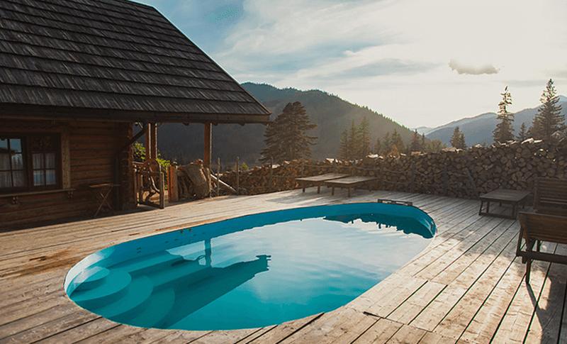 бассейн отеля «Коруна»