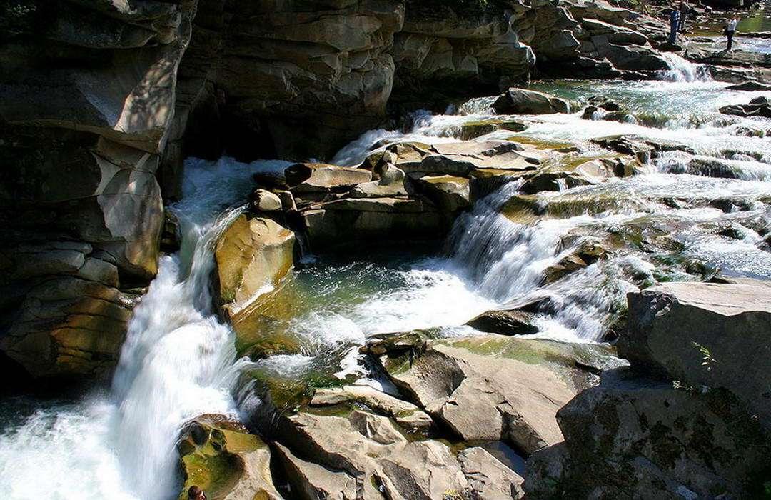 Яремчанский водопад