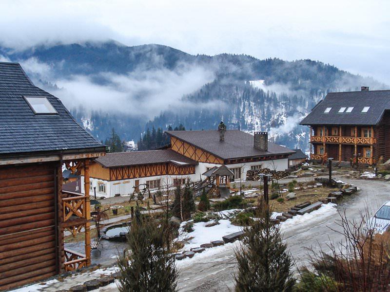 Отель «Коруна» зимой