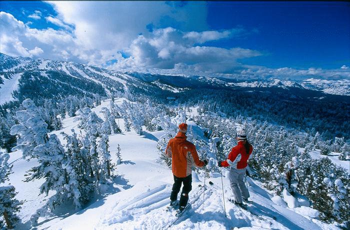 Восхитительный карпатский пейзаж зимой.