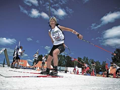 Катание на лыжах в шортах. Буковель