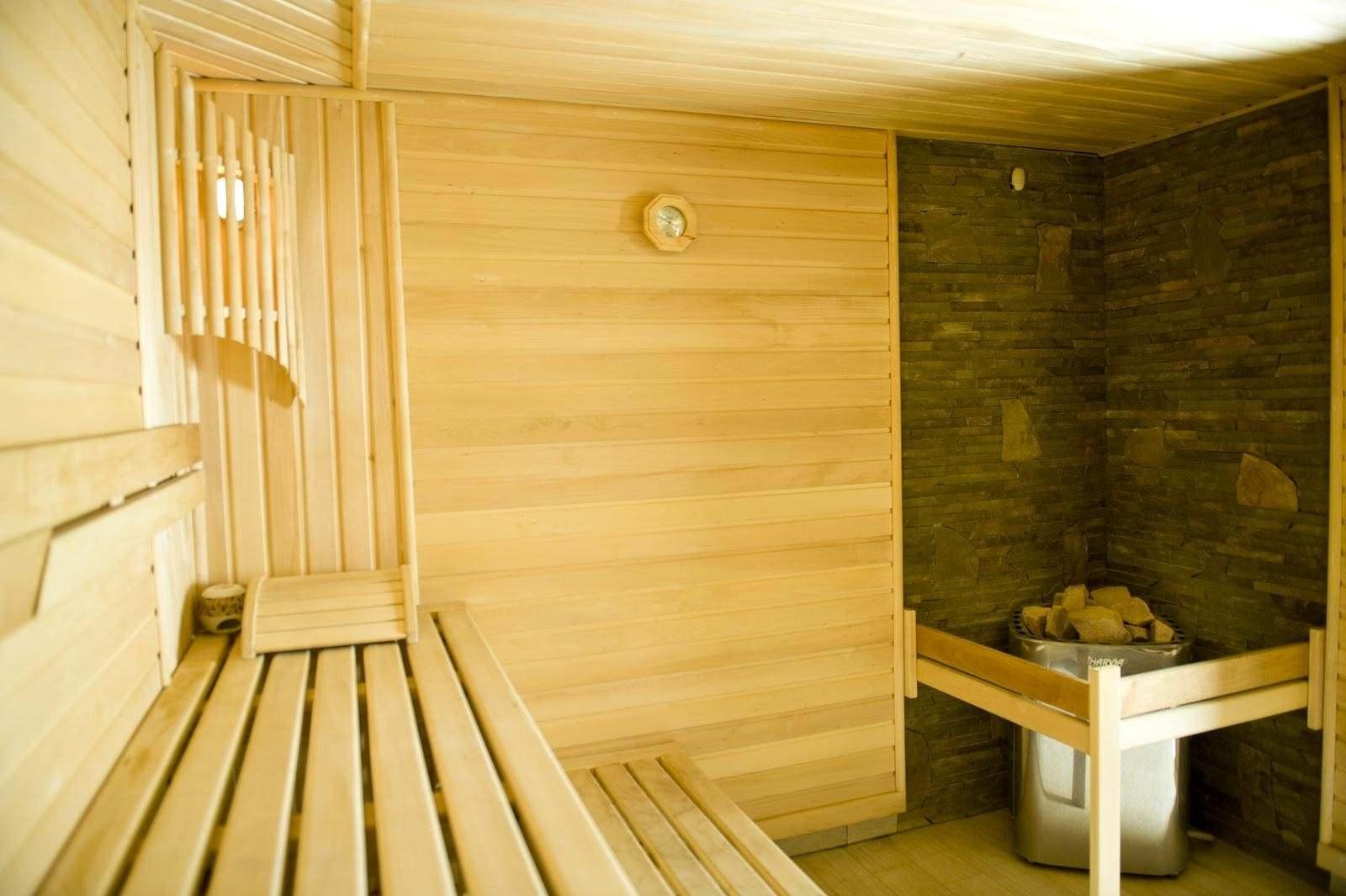 Современная карпатская баня
