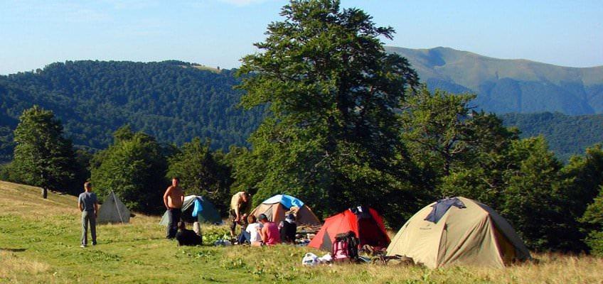 В горах с палатками