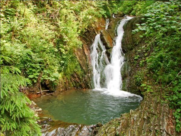 водопад Кухоль, недалеко от Татарова
