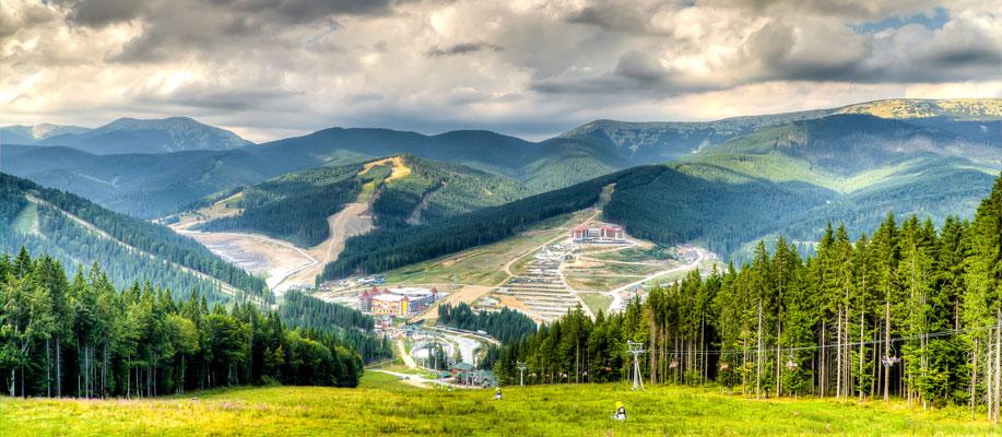 Панорама летнего Буковеля