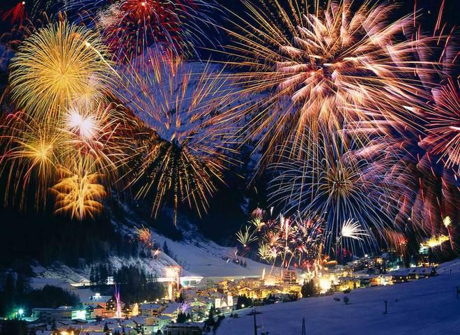 Новогодний фейерверк в Карпатах