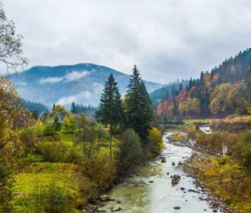 Река в селе Татаров