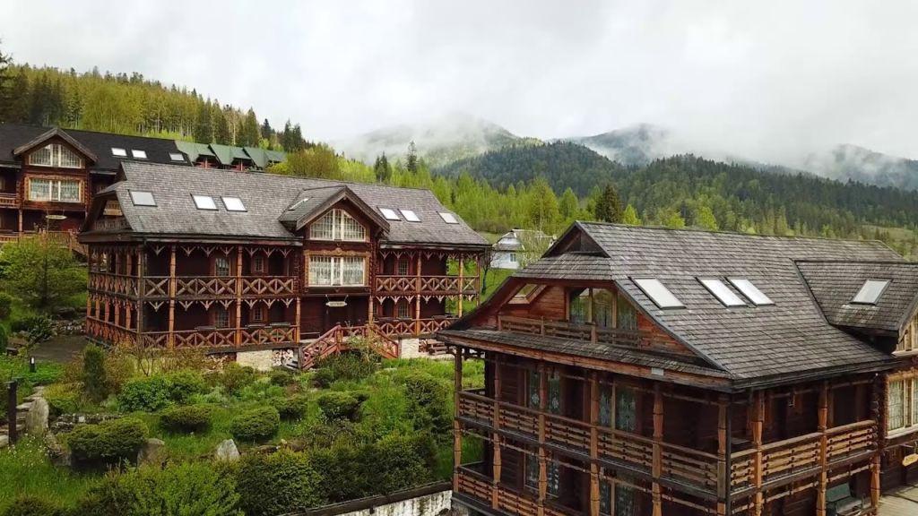 Отель курорт Коруна
