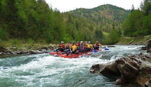Сплав по реке на байдарках