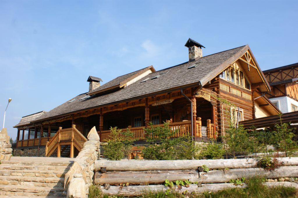 Отель Коруна в Карпатах (Татаров)